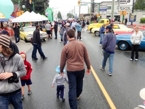 Photo of the crowd at the Edmonds City Fair